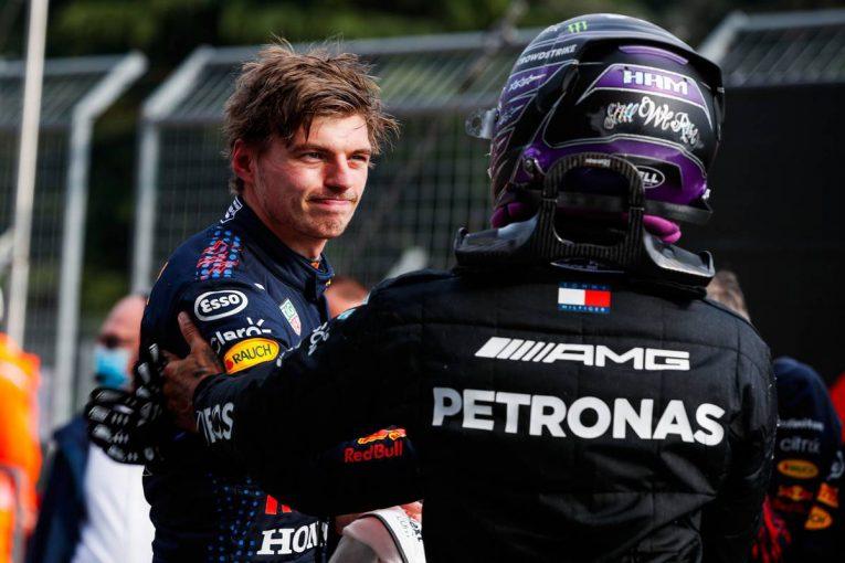F1   「マックスとルイスの戦いが続くのだと実感した」今季初優勝は、これまでと違う1勝に/ホンダF1山本MDインタビュー