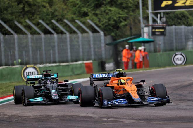 2021年F1第2戦エミリア・ロマーニャGP ランド・ノリス(マクラーレン)とルイス・ハミルトン(メルセデス)