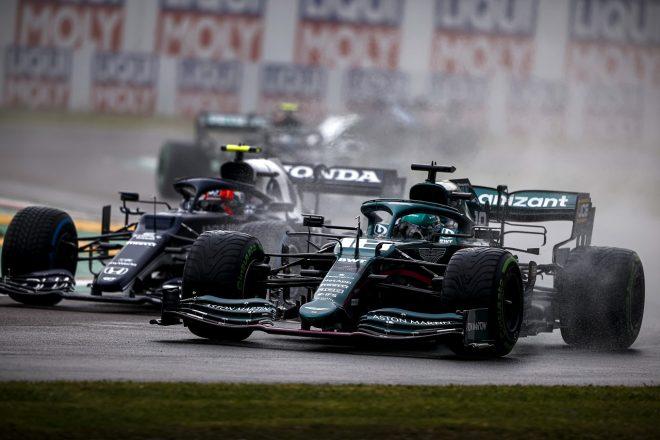 2021年F1第2戦エミリア・ロマーニャGP ランス・ストロール(アストンマーティン)とピエール・ガスリー(アルファタウリ・ホンダ)のバトル