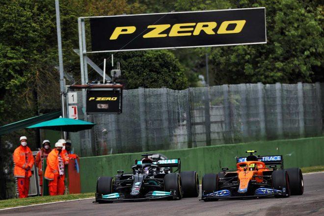 2021年F1第2戦エミリア・ロマーニャGP ルイス・ハミルトン(メルセデス)とランド・ノリス(マクラーレン)の2番手争い
