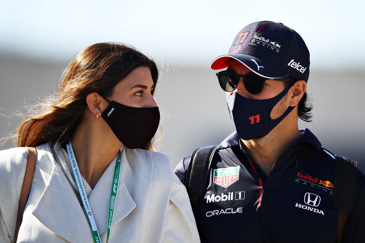 セルジオ・ペレス(レッドブル・ホンダ)と妻のカローラ・マルティネスさん