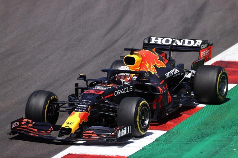 F1   「フェルスタッペンの最速ラップ抹消は正当」とFIA。レッドブルF1首脳陣の不満に取り合わず