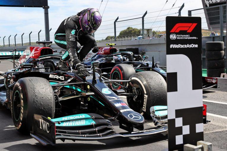 F1 | ハミルトンが97勝目「マックスに抜かれた時は『なんてばかなんだ』と自分を罵った」メルセデス/F1第3戦決勝