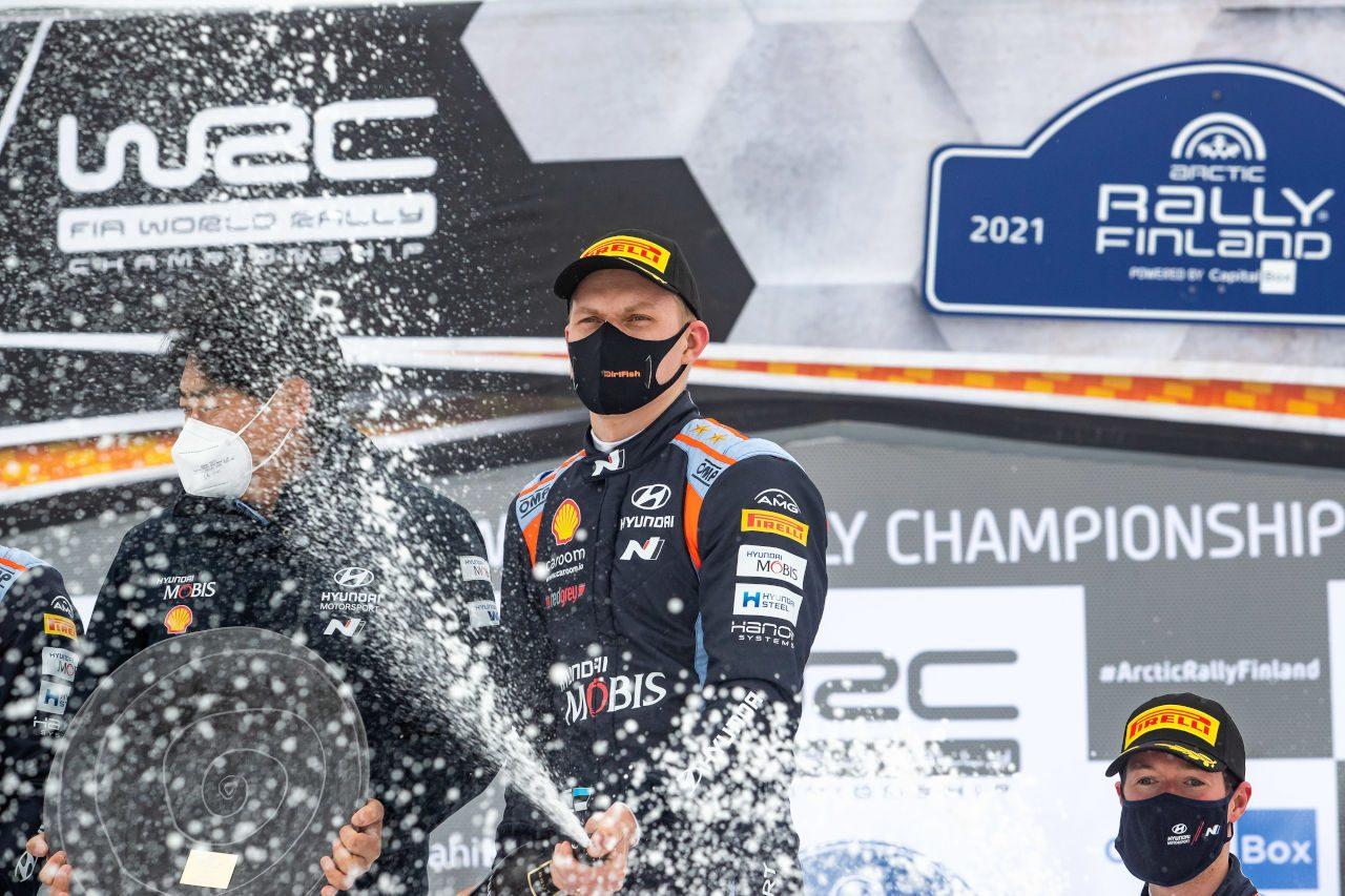 タナクとヌービルがヒュンダイと契約延長。ともに複数年契約を結ぶ/WRC
