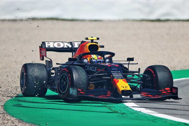 2021年F1第4戦スペインGP 予選中にスピンを喫したセルジオ・ペレス(レッドブル・ホンダ)