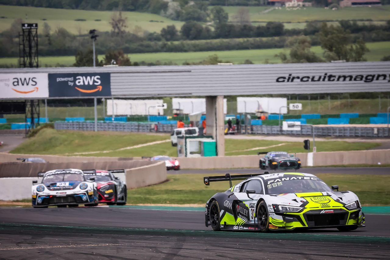 スプリントカップ開幕戦はチームWRTが優勝&2位でポイント大量獲得/GTWCヨーロッパ第2戦