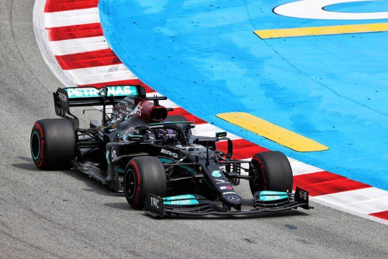 F1 | 「マイケル、青旗だ」メルセデスF1代表の珍しい訴え。FIAとチームの無線公開は新たな取り組み