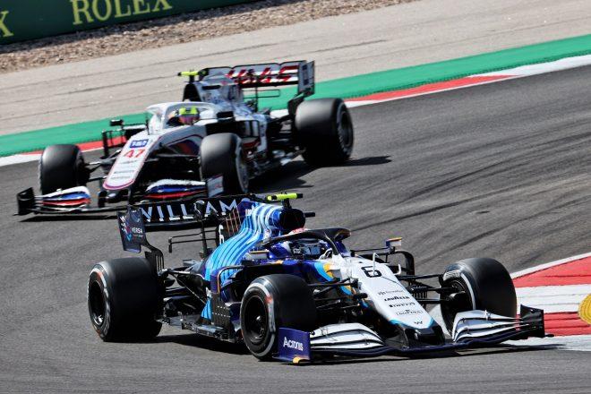 2021年F1第3戦ポルトガルGP ニコラス・ラティフィ(ウイリアムズ)とミック・シューマッハー(ハース)