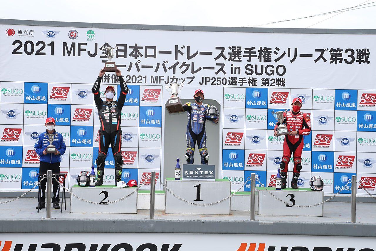 中須賀が独走優勝。ホンダ勢トップは濱原/全日本ロード第3戦SUGO JSB1000レース2