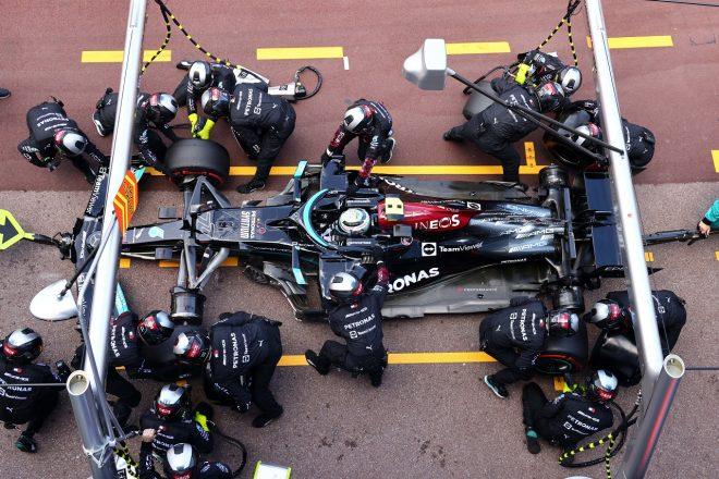 2021年F1第5戦モナコGP バルテリ・ボッタス(メルセデス)のピット作業