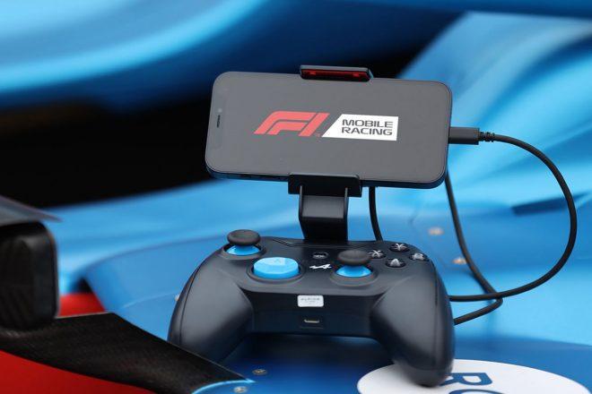 アルピーヌF1コラボデザインのゲームコントローラー『ROTOR RIOT Wired Game Controller ALPINE RR1850RA』