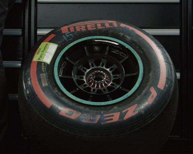F1   【動画】レースから2日後。メルセデスF1がボッタス車の右フロントタイヤ取り外しに成功