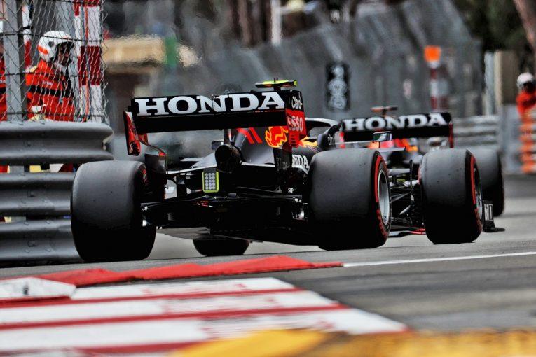 F1   レッドブルF1首脳、ウイングへの抗議はないと予想「メルセデスも大スキャンダルを起こしたくはないはず」
