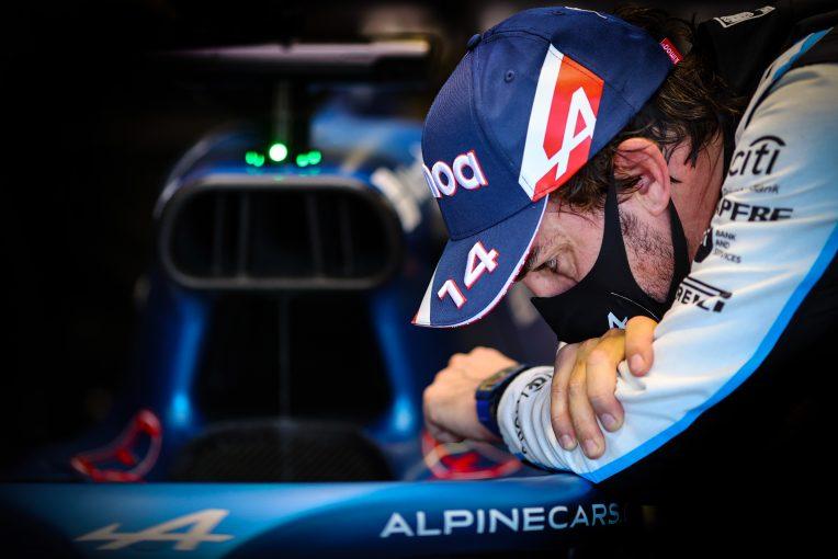F1   アロンソ、F1復帰をエンジョイも「100パーセントの状態に戻るのに予想以上に時間がかかっている」