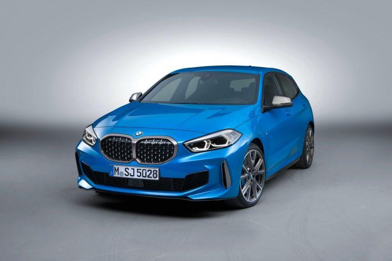 クルマ | BMW、FF化を果たした『1シリーズ』の装備を強化。ACCや電動メモリーシートを標準化