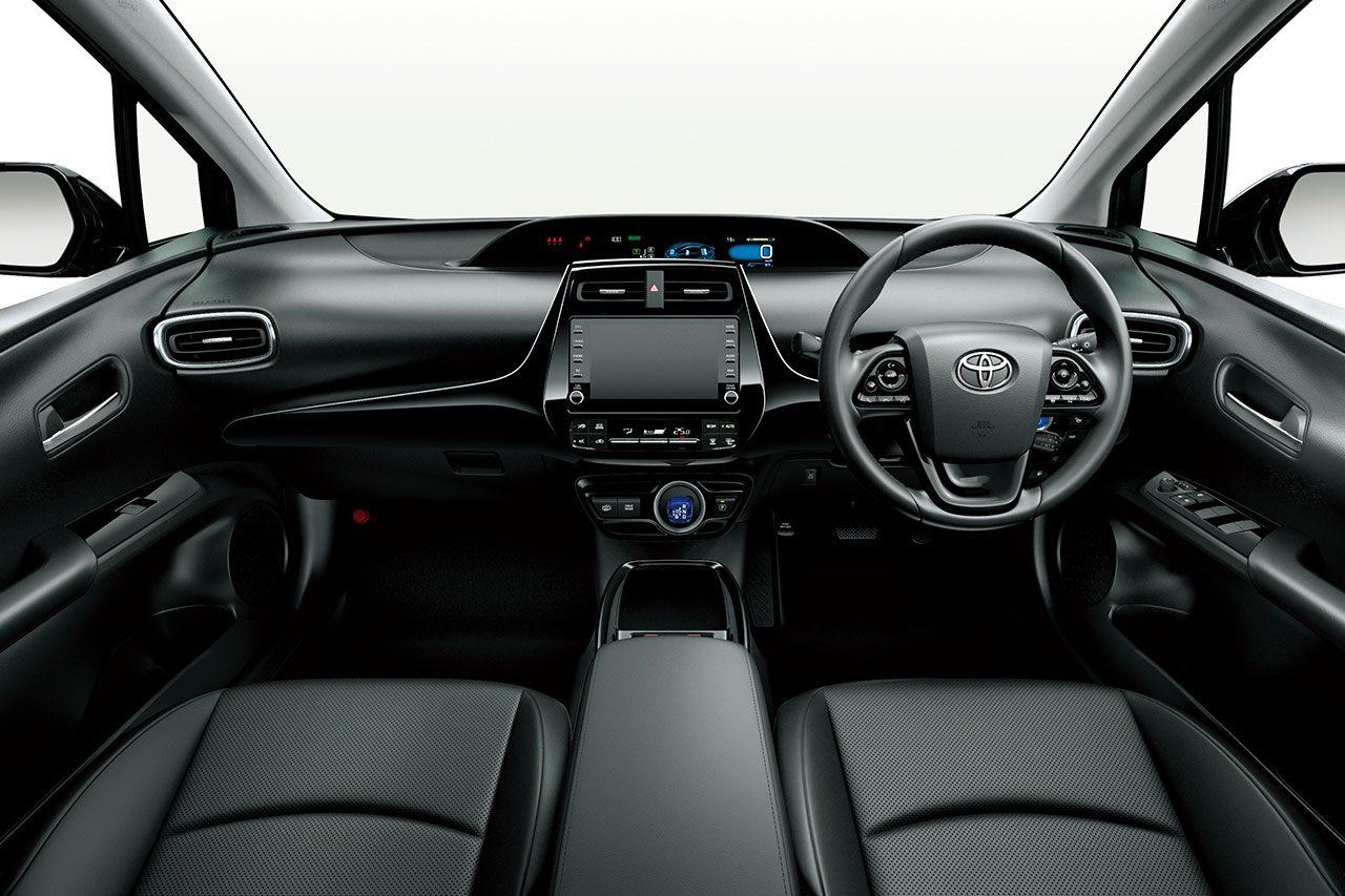 トヨタ・プリウスが一部改良。同時に気品を際立たせるブラックカラーの特別仕様車も登場