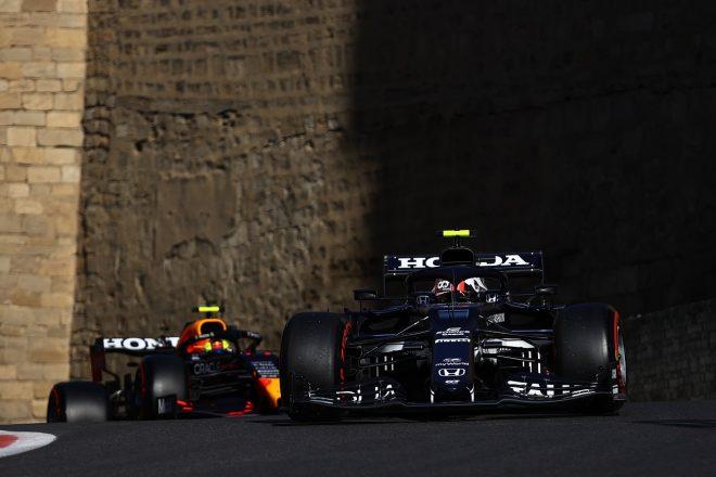 2021年F1第6戦アゼルバイジャンGP ピエール・ガスリー(アルファタウリ・ホンダ)とセルジオ・ペレス(レッドブル・ホンダ)