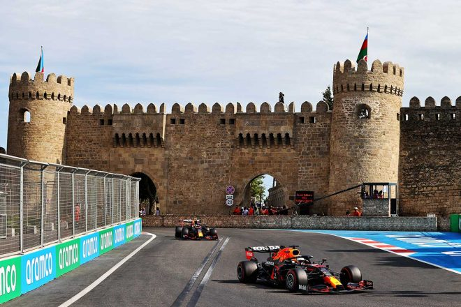 2021年F1第6戦アゼルバイジャンGP マックス・フェルスタッペン&セルジオ・ペレス(レッドブル・ホンダ)