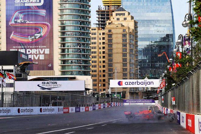 2021年F1第6戦アゼルバイジャンGP タイヤトラブルでクラッシュしてしまったマックス・フェルスタッペン(レッドブル・ホンダ)