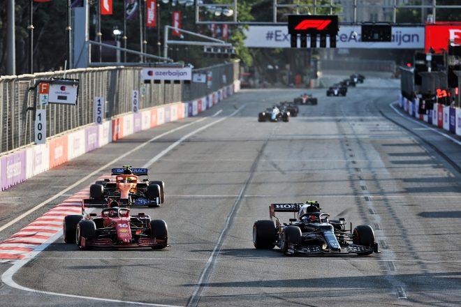 2021年F1第6戦アゼルバイジャンGP シャルル・ルクレール(フェラーリ)とピエール・ガスリー(アルファタウリ・ホンダ)