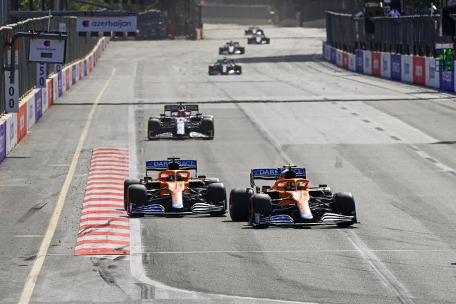2021年F1第6戦アゼルバイジャンGP ランド・ノリスとダニエル・リカルド(マクラーレン)