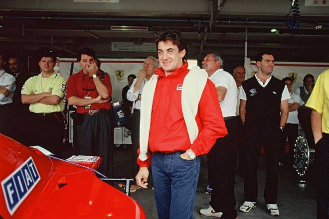 「肝心なことは、かつてドライブしたF1マシンが自分の手元にあるということさ」と語ったジャン・アレジ