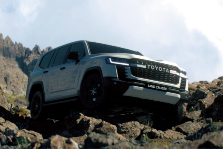 クルマ | トヨタが新型『ランドクルーザー』を世界初公開。生誕70周年迎える2021年夏以降発売へ