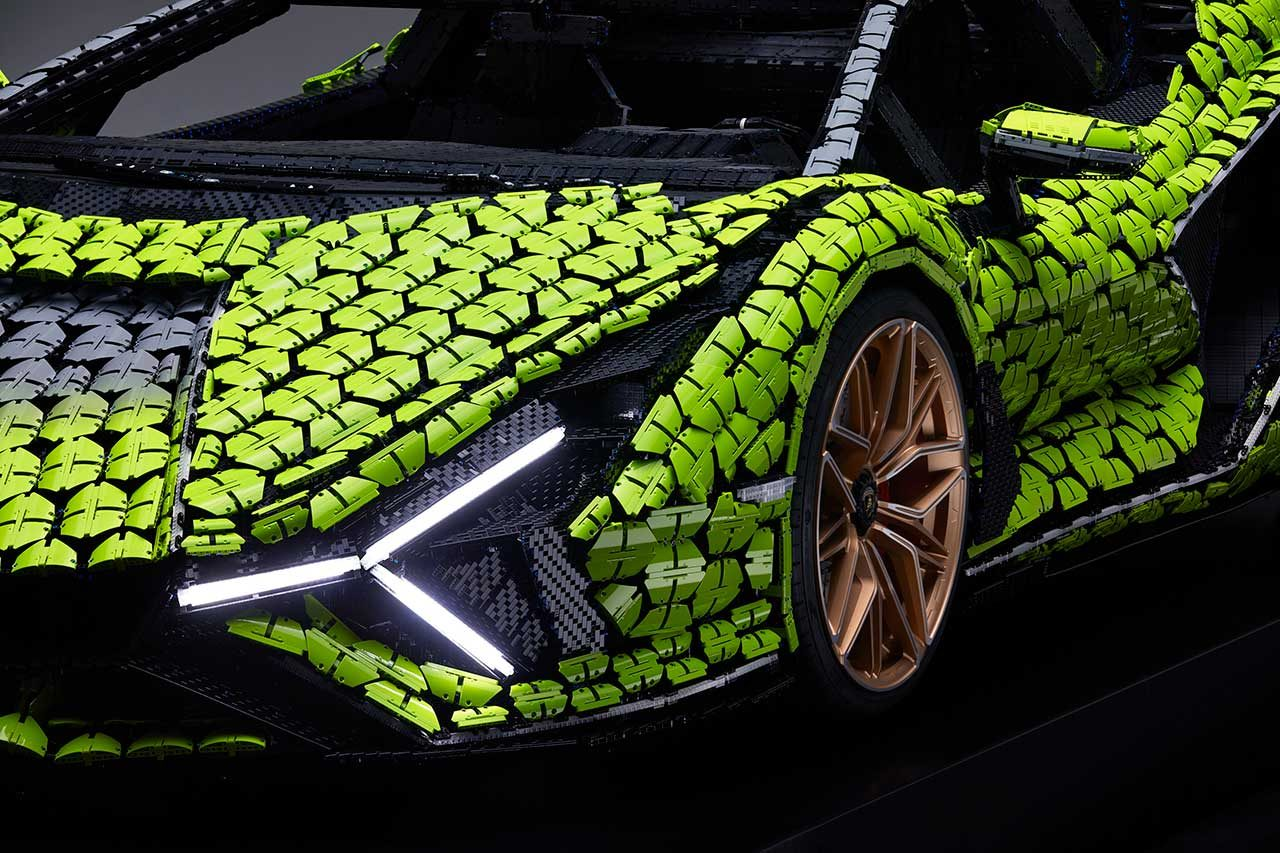 ランボルギーニとレゴが『シアン』の実物大レプリカを製作。使用したピースは実に40万超え