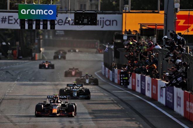 2021年F1第6戦アゼルバイジャンGPのレースフィニッシュ
