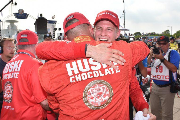 海外レース他   インディカー第7戦デトロイト:エリクソンが初優勝で今季7人目のウイナーに輝く。琢磨は悔しい4位に