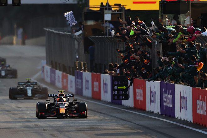 2021年F1第6戦アゼルバイジャンGP レッドブル・ホンダ移籍後初優勝を飾ったセルジオ・ペレス