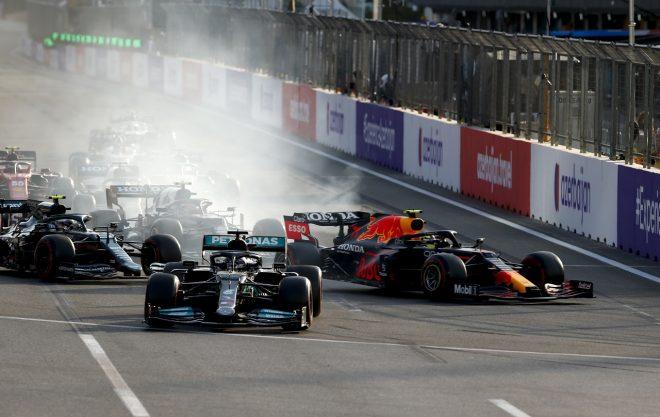 2021年F1第6戦アゼルバイジャンGP リスタートでルイス・ハミルトン(メルセデス)がオーバーラン