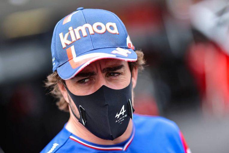 F1 | アラン・プロスト、アロンソは「最高の状態ではない」と語るも苦戦には驚かず。自転車事故の影響も懸念