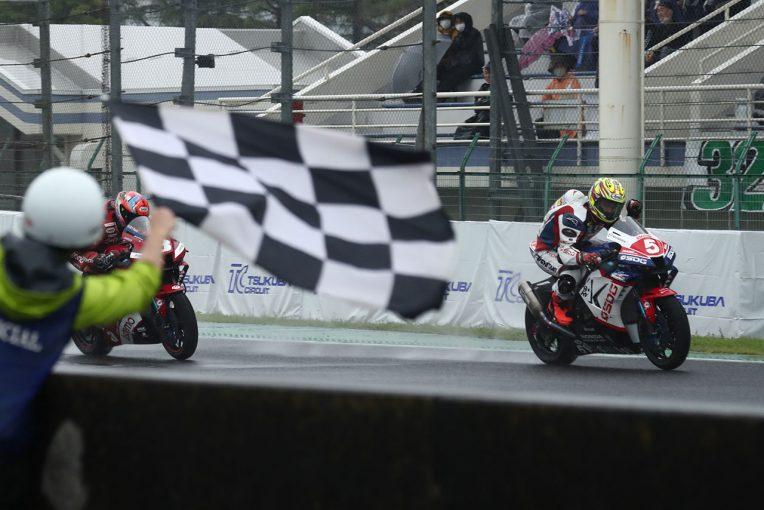 MotoGP | ヤマハのトップ2が転倒の大波乱。榎戸育寛が優勝を飾りホンダ勢が表彰台独占/全日本ロード第4戦筑波 ST1000 レース1