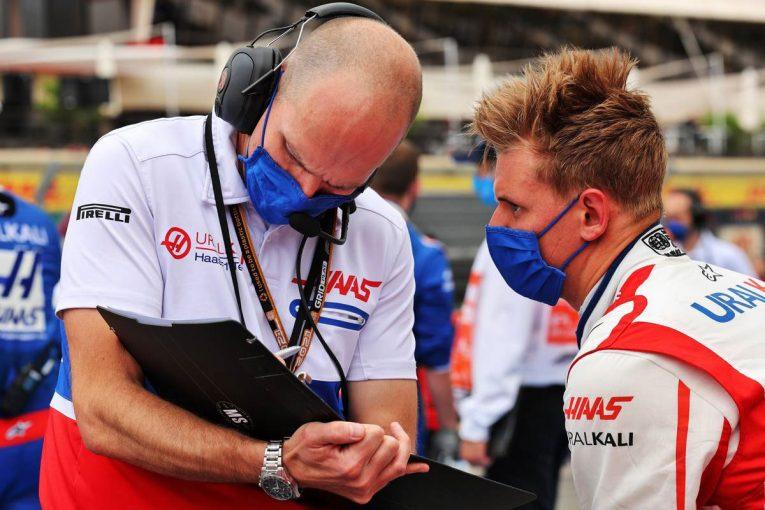 F1   シューマッハー「初めてQ2に進出できたので、かなりいい週末だった」:ハース F1第7戦決勝