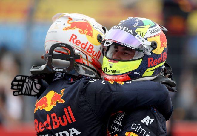 2021年F1第7戦フランスGP 3位セルジオ・ペレスと優勝したマックス・フェルスタッペン(レッドブル・ホンダ)
