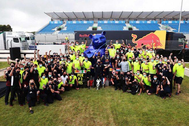 2021年F1第7戦フランスGP レッドブル・ホンダの記念撮影