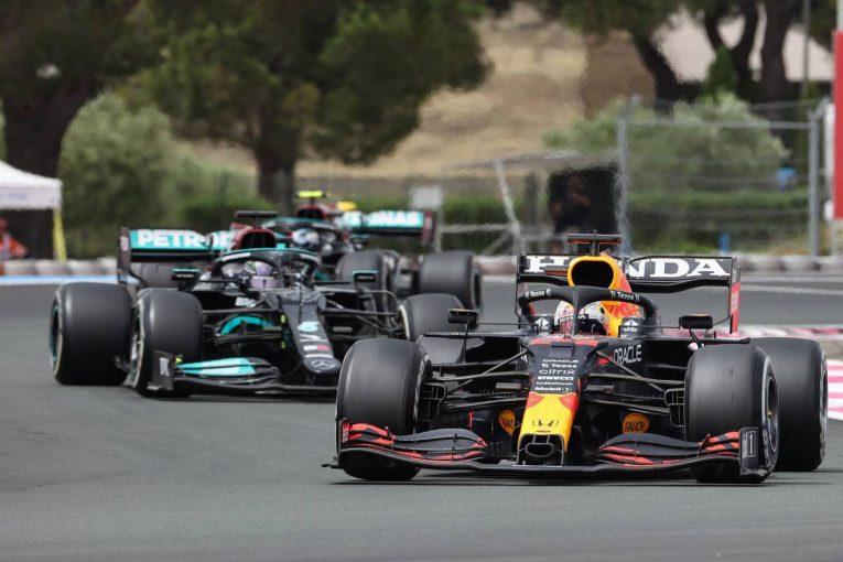 F1   メルセデスF1、フェルスタッペンのアンダーカットを許した原因の特定に苦戦「この結果は想定していなかった」/F1第7戦