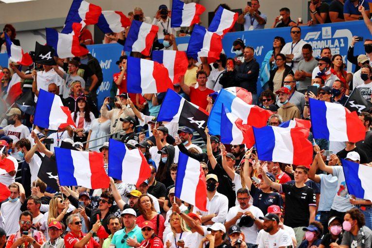 F1   【SNS特集】F1フランスGP:スタートダッシュ失敗、逃げ遅れたホンダ首脳陣。角田裕毅が日の丸掲げたファンに感謝