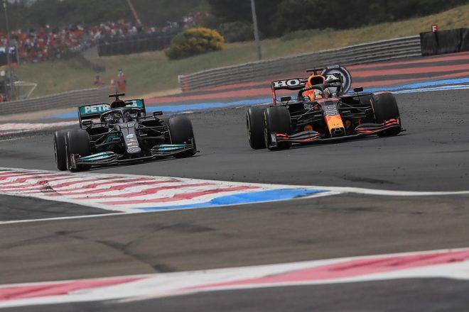 """F1   ロズベルグがメルセデスF1勢のディフェンスを批判「ボッタスの抜かれ方はひどかった」ハミルトンの""""手ぬるさ""""にも驚き"""