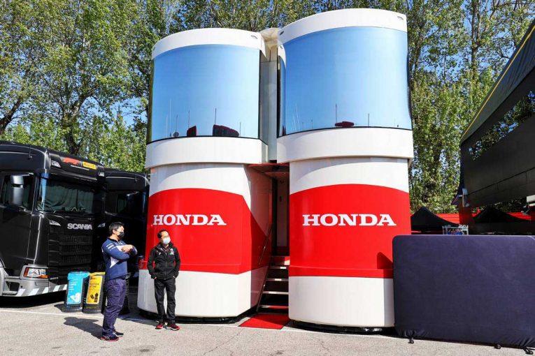 F1 | グランプリのうわさ話:ホンダF1のモーターホームが予想外のアクシデント