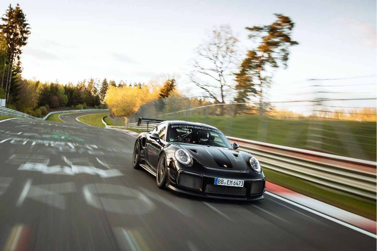 ポルシェ、ニュルブルクリンク市販車最速記録を更新『911 GT2 RS』で6分43秒300