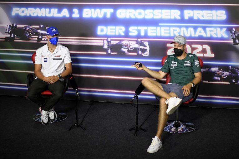 F1   F1第8戦木曜会見:「セブの存在はとても心強いよ」先輩を質問攻めにしたシューマッハーと、照れ笑いのベッテル