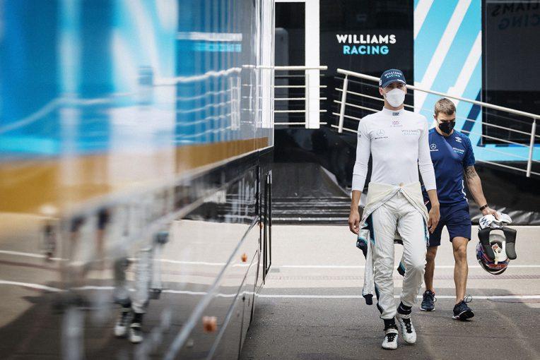 F1   ラッセル「きわめて稀なトラブル。いい結果で締めくくれそうだったので本当に悔しい」:ウイリアムズ F1第8戦決勝