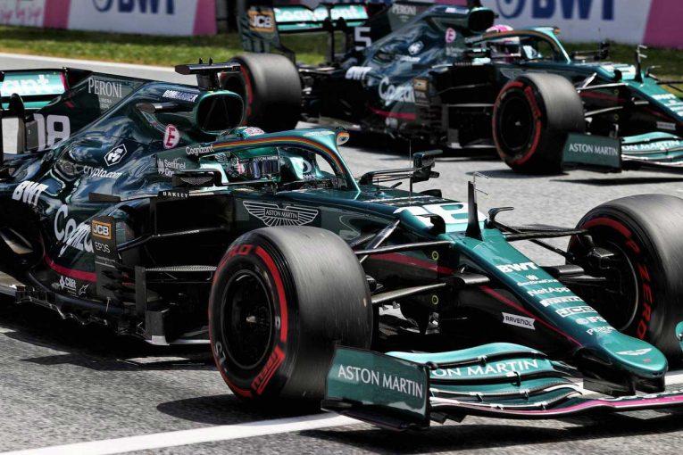 F1   グランプリのうわさ話:アストンマーティンF1の人材獲得方法にライバルが憤慨