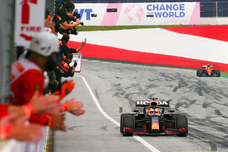 F1   【F1第8戦無線レビュー(2)】フェルスタッペン独走で4勝目。エンジニアも「完璧だ。他に言うことはないよ」と賞賛