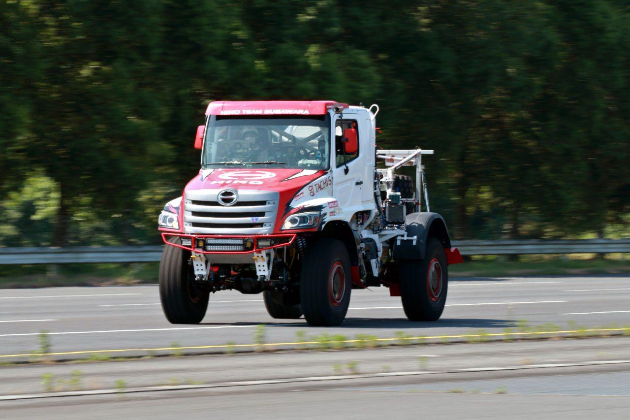 日野チームスガワラ、2022年ダカールラリーに初のレース用ハイブリッド搭載車を投入へ