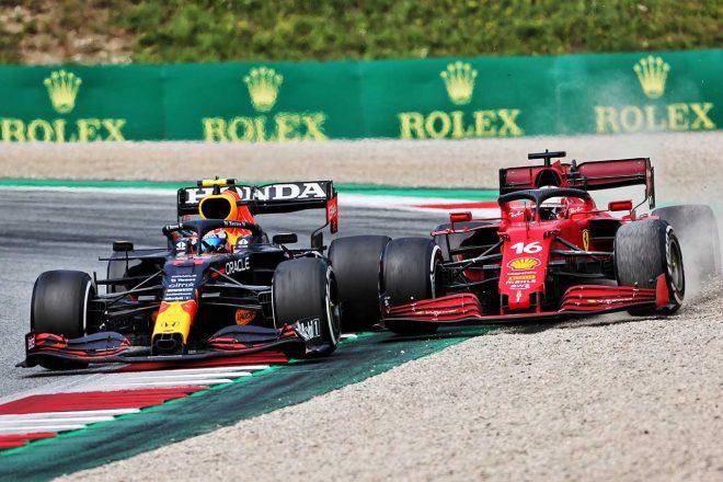 2021年F1第9戦オーストリアGP セルジオ・ペレス(レッドブル・ホンダ)とシャルル・ルクレール(フェラーリ)のバトル