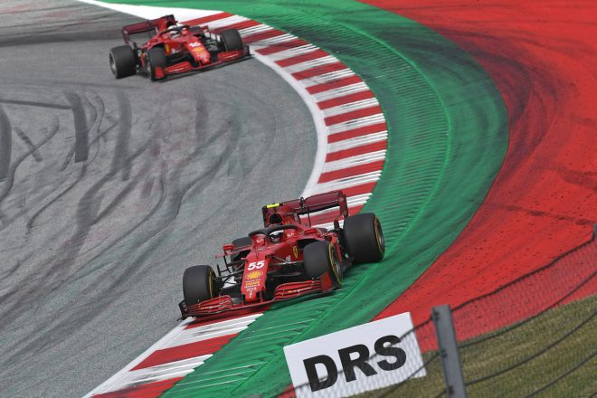 2021年F1第9戦オーストリアGP カルロス・サインツJr.とシャルル・ルクレール(フェラーリ)