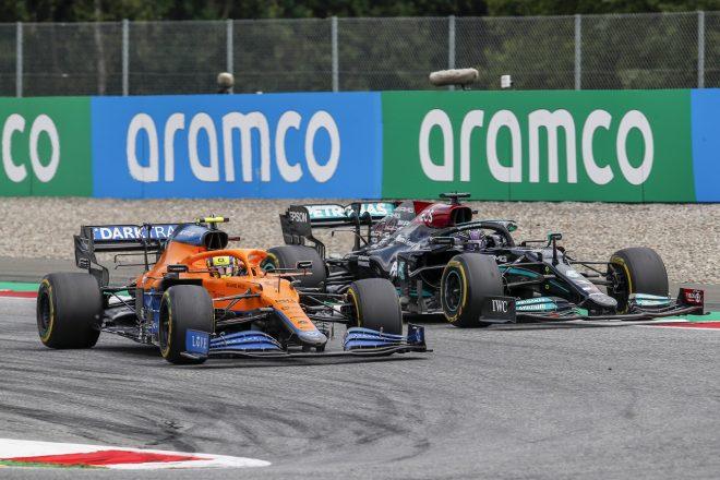 2021年F1第9戦オーストリアGP ランド・ノリス(マクラーレン)とルイス・ハミルトン(メルセデス)